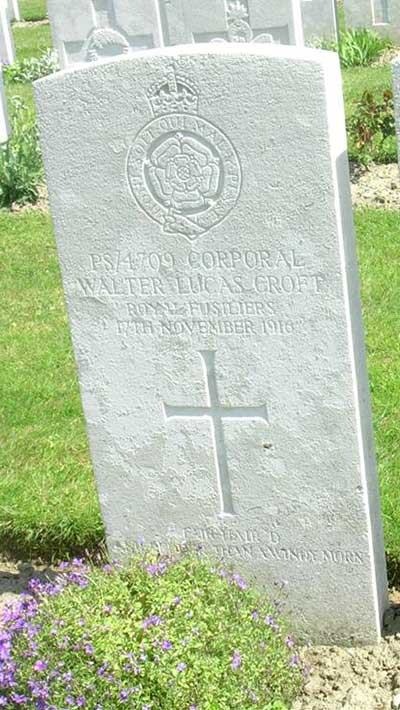 WW1 headstone for Walter Croft