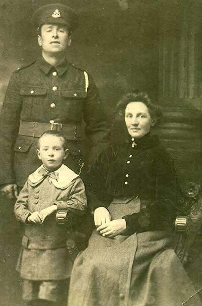 William Gaunt and family in WW1