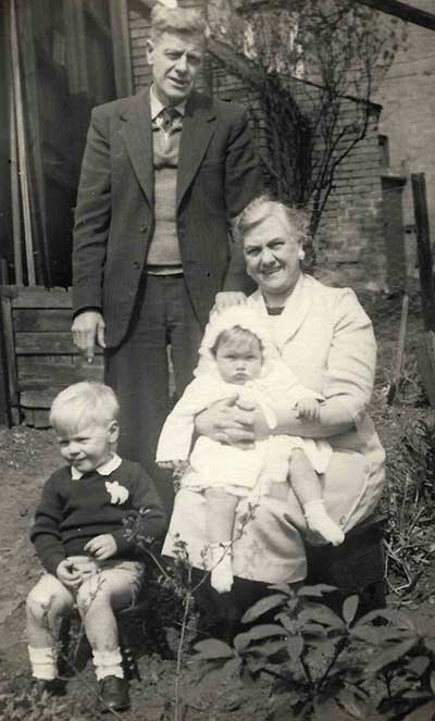 William Hartshorne wife and grandchildren